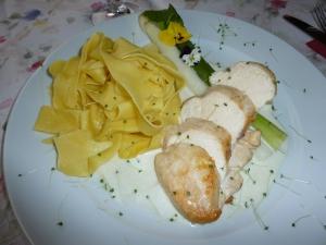 so gut wie es aussieht hat es auch geschmeckt Hühnerbrust mit Spargel und Bandnudeln